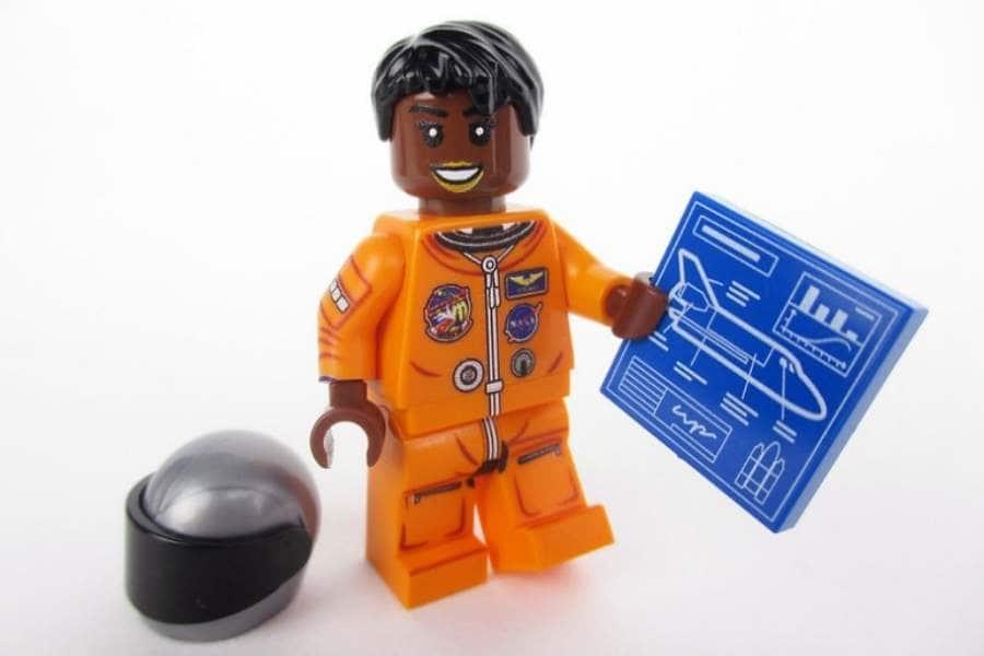 LEGO-MAE-JAMISON.
