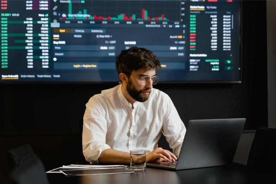 los analistas de datos se erigen como un perfil profesional imprescindible en las empresas