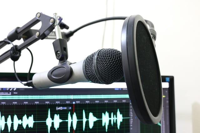 Micrófono preparado para iniciar una gravación